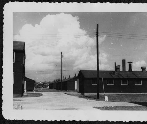 WAC barracks at Nichols General Hospital, Louisville 1945 - UNC-Greensboro Libraries