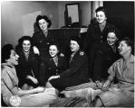[WACs  in Franklin Square House quarters, 1944]