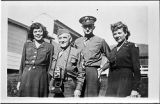 [Two army dietitians with two servicemen, 1947]