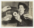 [Elizabeth Williams hands out doughnuts, 1943]